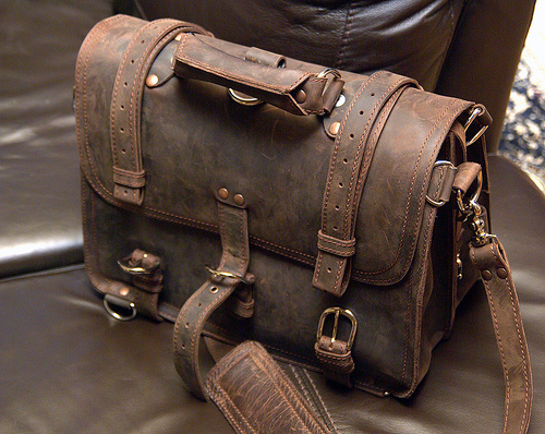 Of Murse and Men: A Look at the Saddleback Classic ... Saddleback Leather